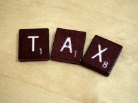 scrubble ułożone w słowo tax
